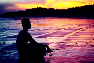 dreamstime_MAN-MEDITATING